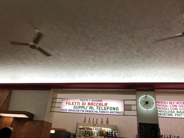 Tavolini Di Marmo Trastevere : Pizzeria ai marmi u2013 rom u2013 italien unterwegs mit christian fenske